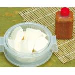 自家製 豆腐[ゴマドレッシング付] 500円